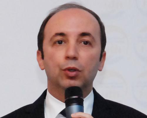 OMS : Le ministre de la Santé vante les mérites de l'industrie pharmaceutique