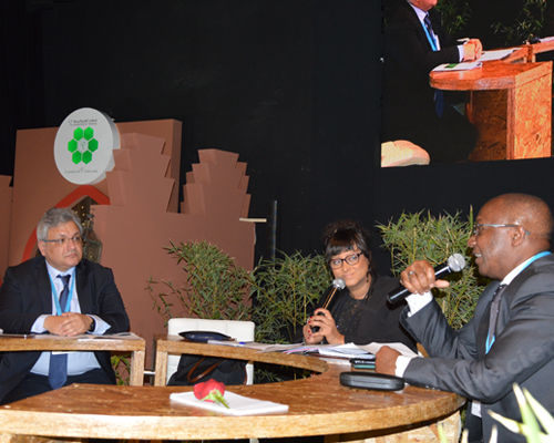 Alger organise le Forum pharmaceutique international
