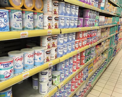 France : le lait pour bébé pourrait avoir le statut de médicament ?