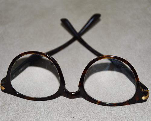 Les ophtalmologistes s'opposent à la mesure de la vision par les opticiens  !